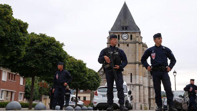 attentat-eglise-saint-etienne-du-rouvray_5644035.jpg